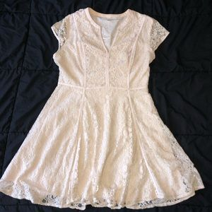 lauren conrad offwhite lacy dress